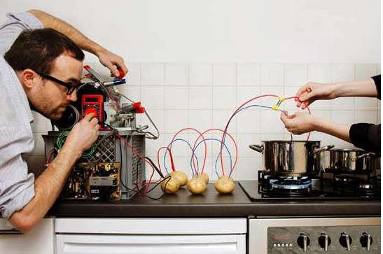 Tinker Photography - Artist Jan Von Hollben's 'Lateral Thinking