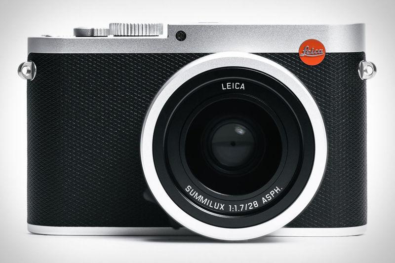 Wide-Angle Compact Cameras