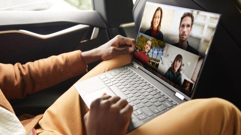 Flexible 5G Connectivity Laptops