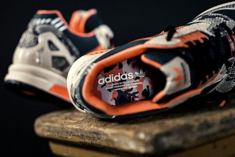 Snakeskin-Detailed Running Shoes