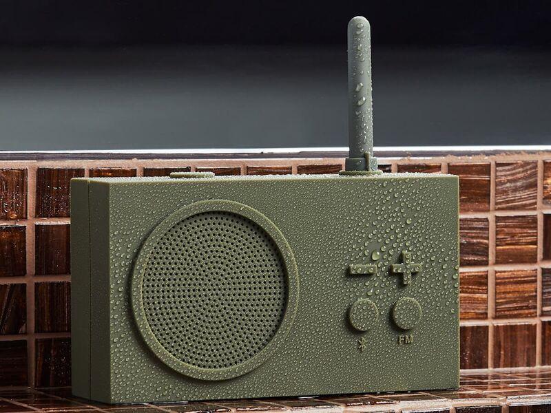 Retro-Inspired Portable Radios