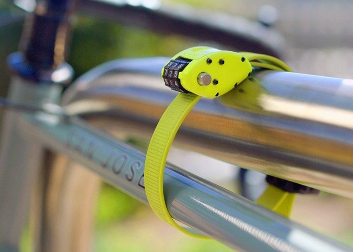 Cinching Cyclist Locks Light Lock