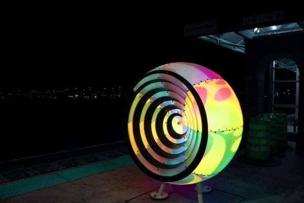 Brightly Bulbous Light Sculptures Light Sculptures