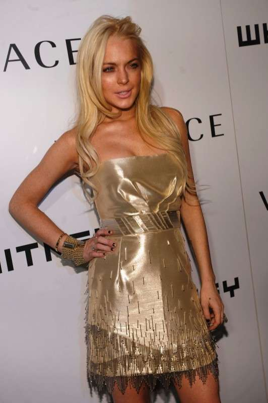 Aging Red Carpet Looks Lindsay Lohan S Gold Dress Is An