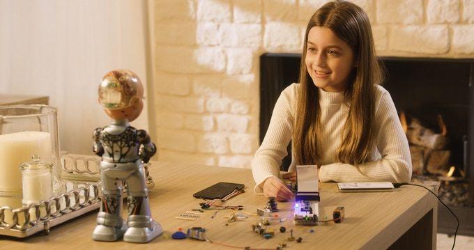Miniaturized AI Robot Toys : Little Sophia