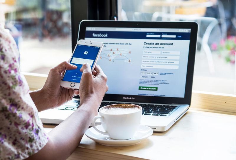 Streaming-Friendly Social Media Platforms