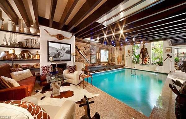 Luxe indoor pools living room swimming pool for Swimming pool room ideas