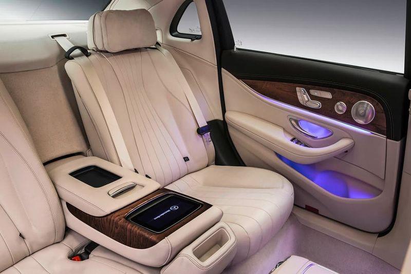 Elongated Luxury Vehicles