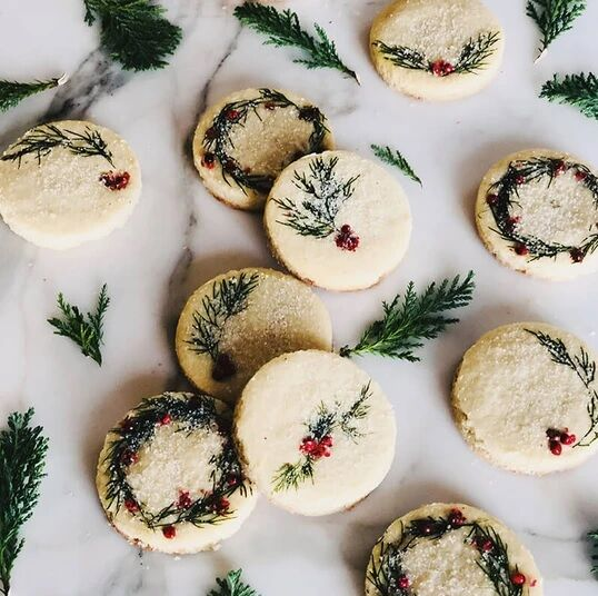 Foliage-Topped Holiday Cookies