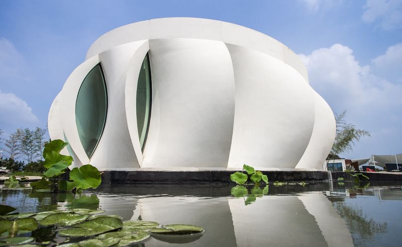 Flower-Shaped Printed Abodes