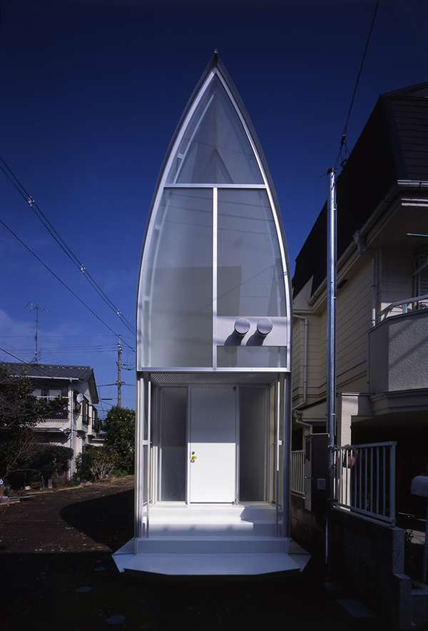 Atypical Trapezoidal Residences