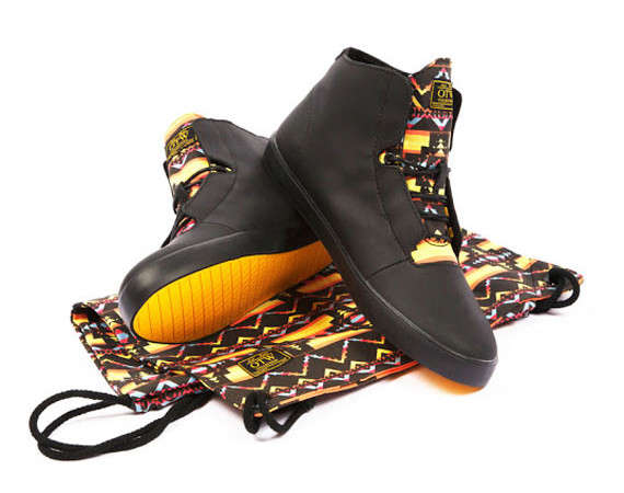 Suave Tribal Accent Sneakers
