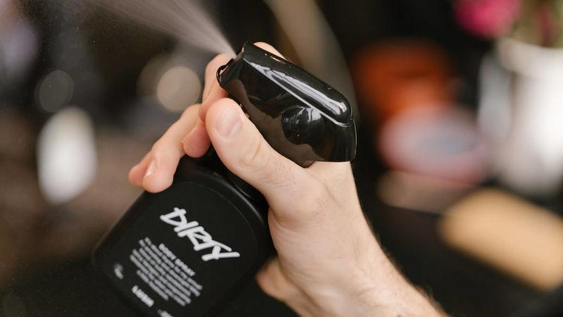 Invigorating Odor-Combating Body Sprays
