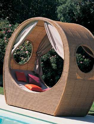 Outside Bed luxury living outside: lucious mazuvo balu outdoor bed