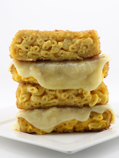 Fried Cheesy Macaroni Sandwiches