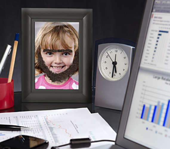 Face-Altering Photo Frames