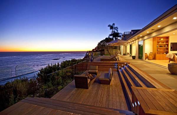 ostentatious oceanfront homes  this malibu beach home