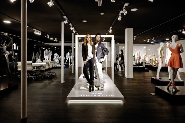 Runway Mannequin Displays