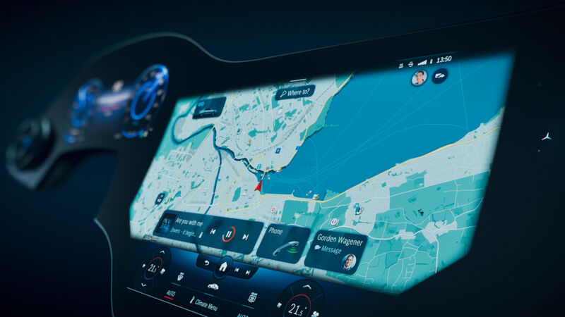 Smart In-Car Information Systems