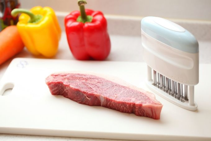 User-Friendly Steak Tenderizers