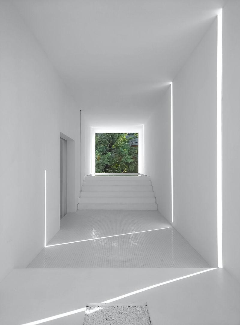 Meditative Nature-Focused Architecture