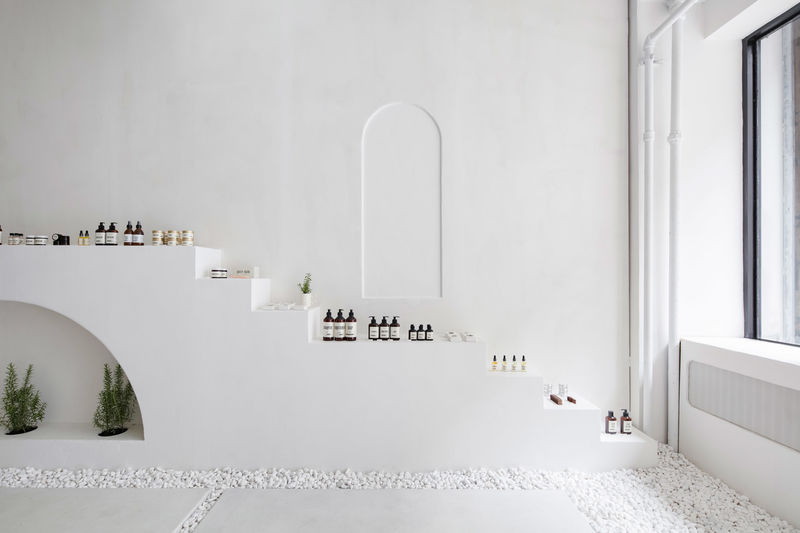 Ultra-Minimalist Garden-Inspired Beauty Pop-Ups