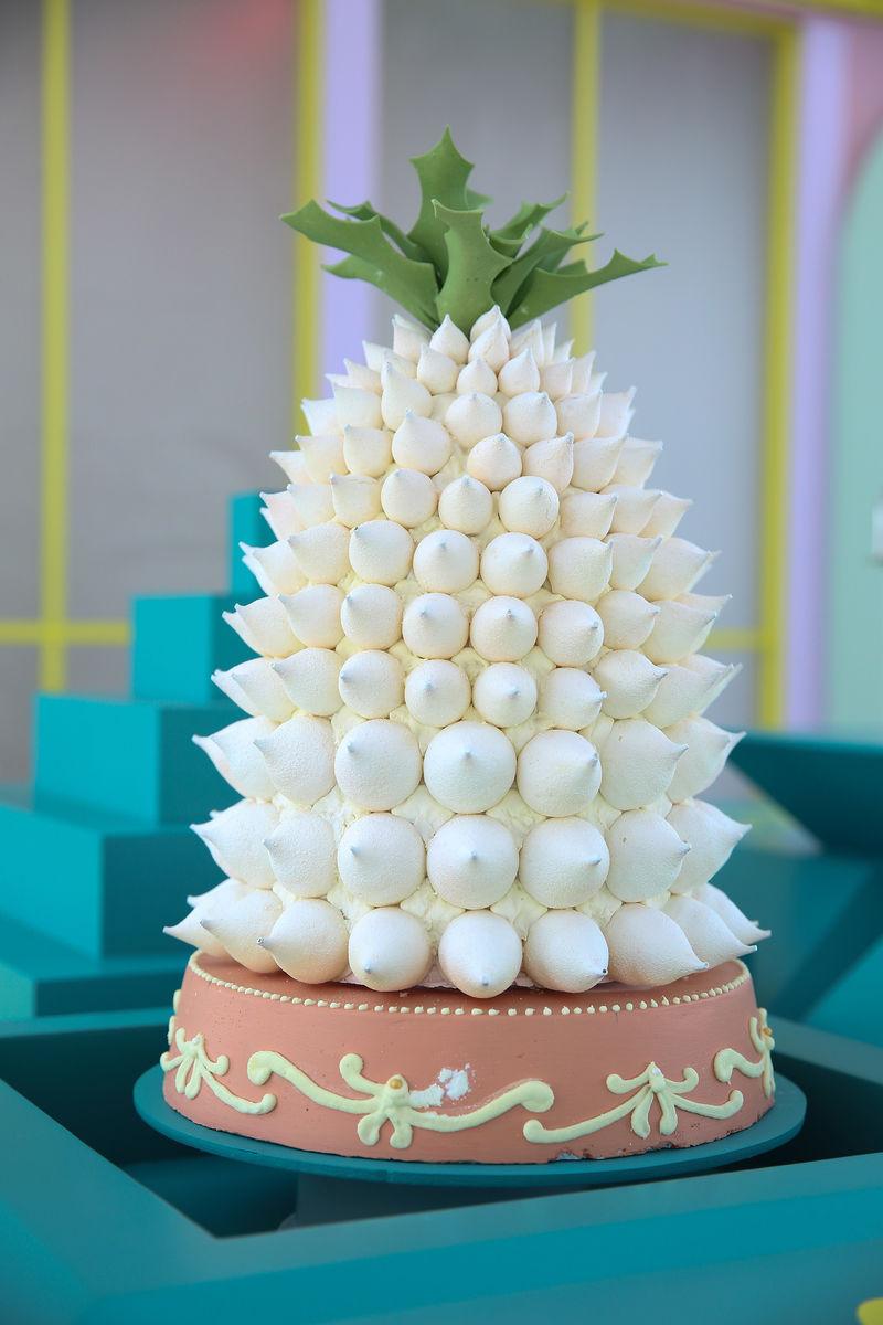 Ultra-Lightweight Meringue Desserts
