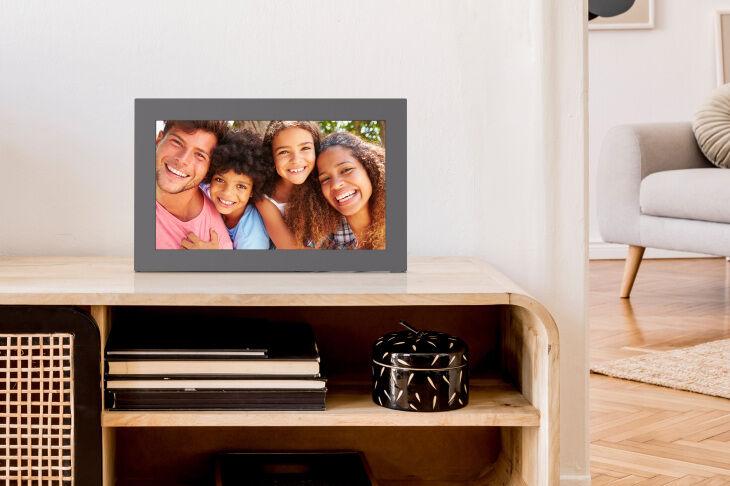 Customizable Digital Photo Frames