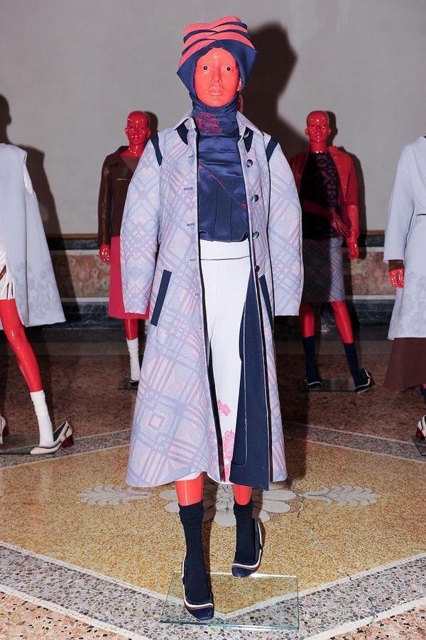 Red Mannequin Lookbooks