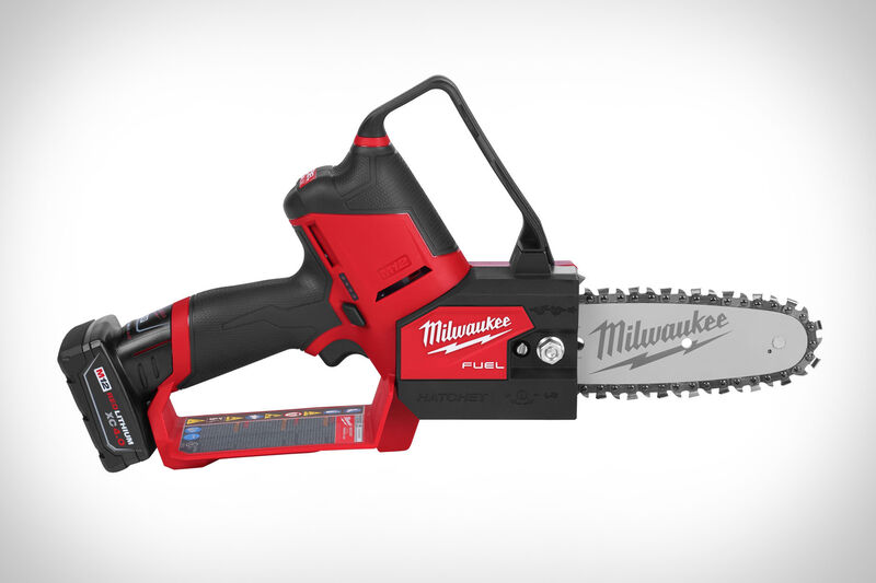 Compact Cordless Chainsaws