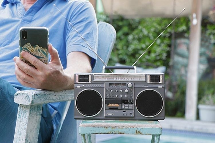 80s-Inspired Bluetooth Boomboxes