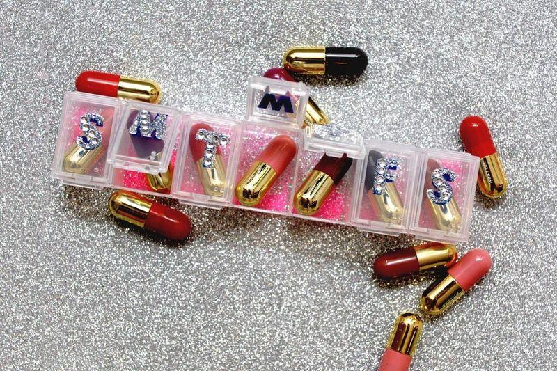 Pill-Sized Lipstick Sets