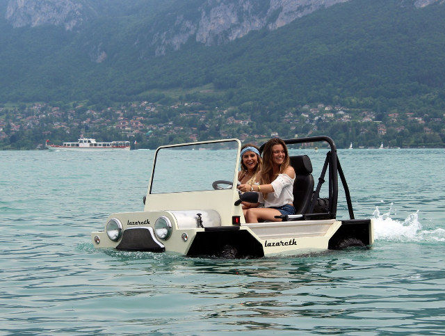 Aquatic-Friendly Sports Vehicles