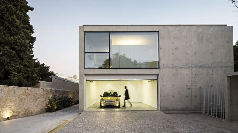 Especially Minimalist Concrete Houses