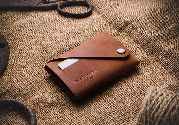 Well-Crafted Customizable Wallets