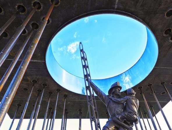 Metal Pole Memorials