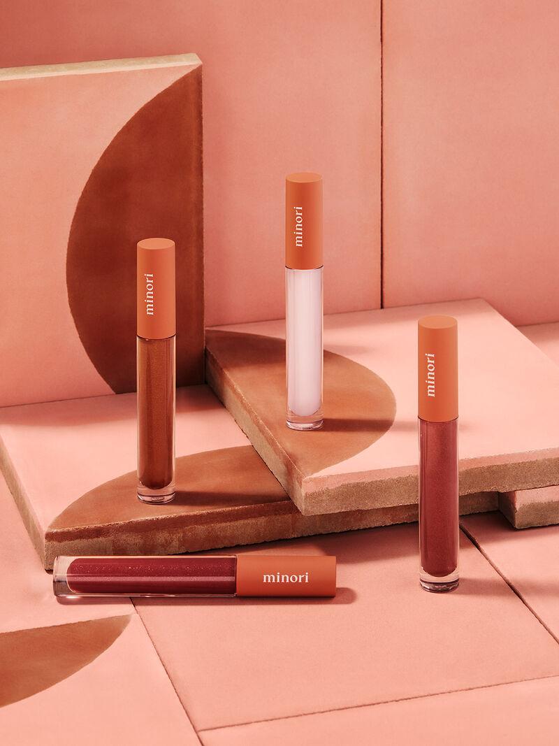 Minimalism-Inspired Makeup
