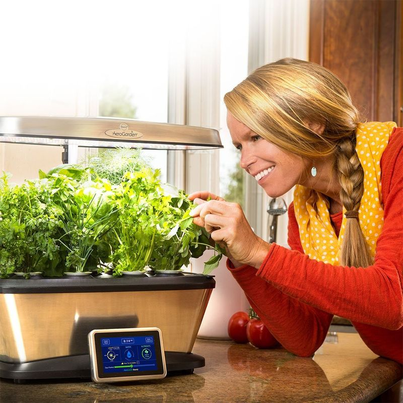 Connected Indoor Gardens