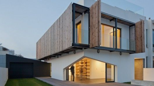 Eco-Friendly Portuguese Homes