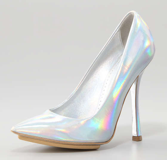 Holographic Pointed Heels