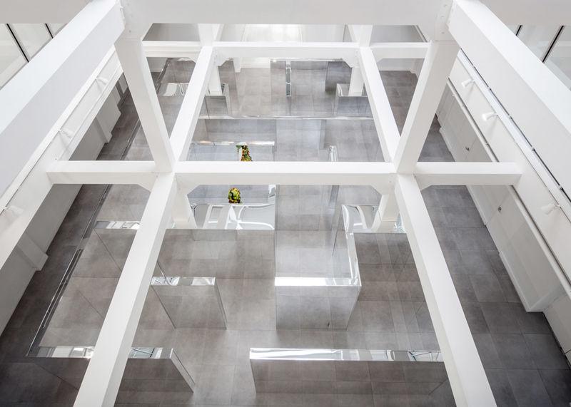 Disorienting Museum Interiors