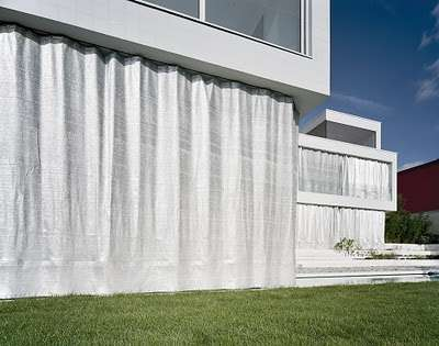 Curtain-Covered Mansions