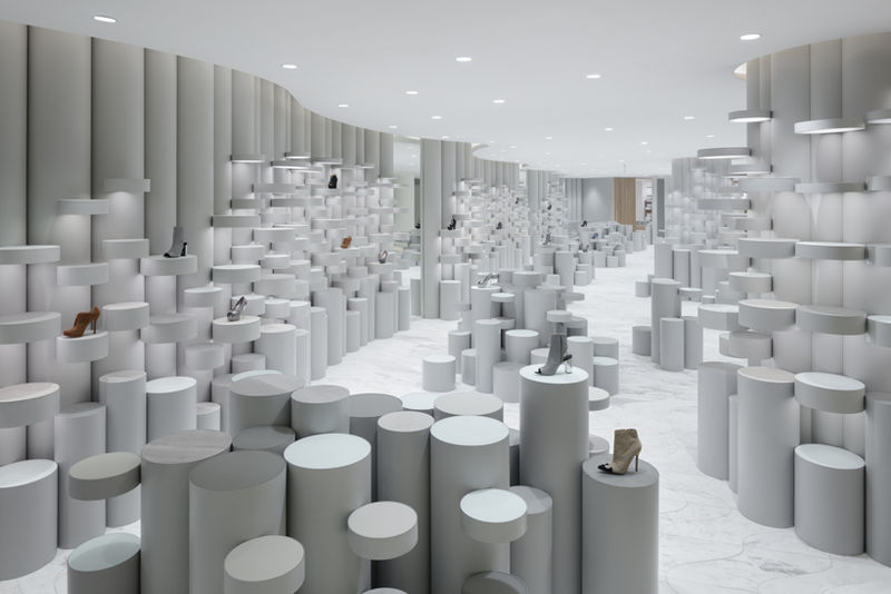Minimal Futuristic Store Layouts