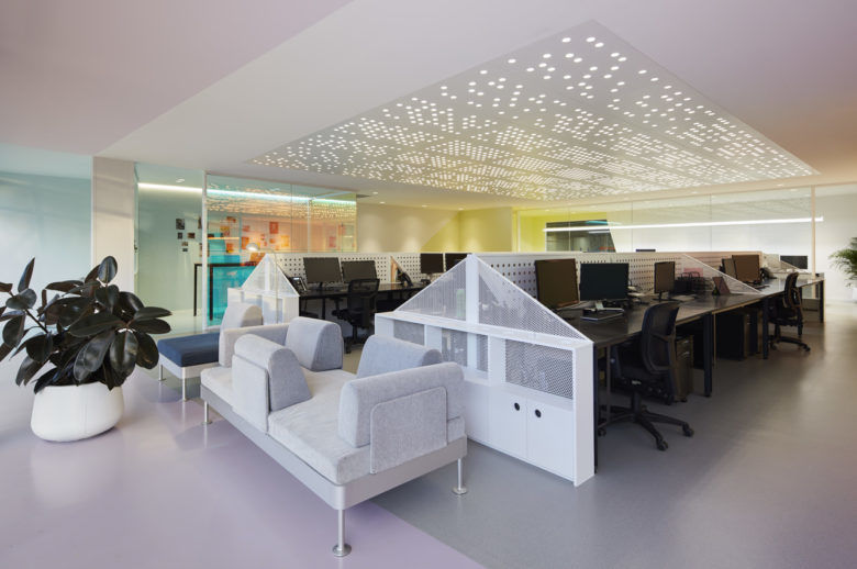 Color-Changing Workspaces