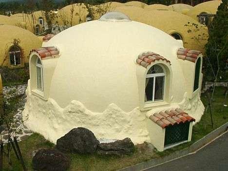 Modular Igloos: Styrofoam Dome Houses