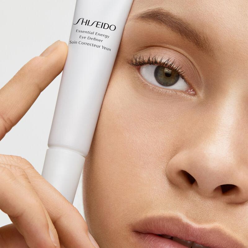 Energizing Moisturizing Eye Creams