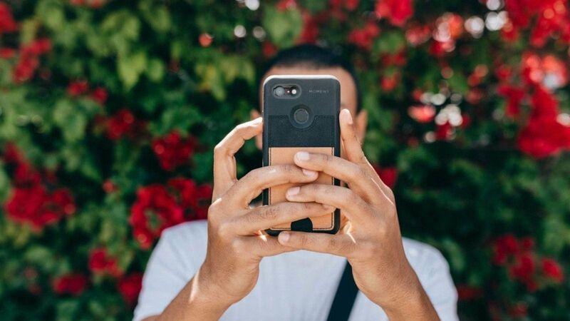 Card-Wielding Smartphone Shields