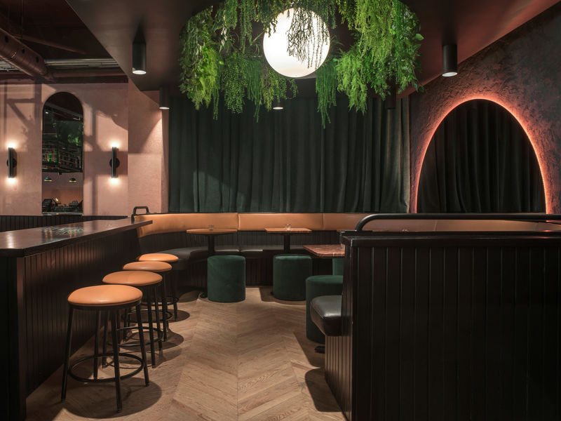 Elegantly Grungy Restaurant Interiors