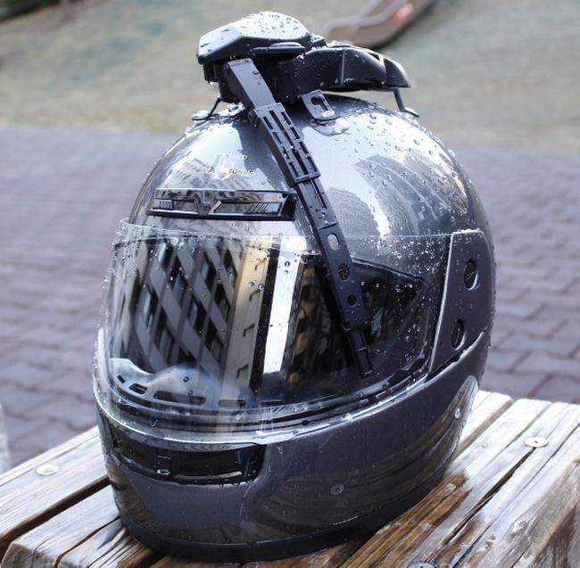 Safest Motorcycle Helmet >> Cyclist Helmet Wiper Blades : motorcycle driving