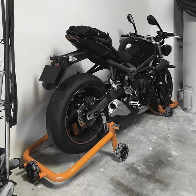 Omnidirectional Motorcycle Stands